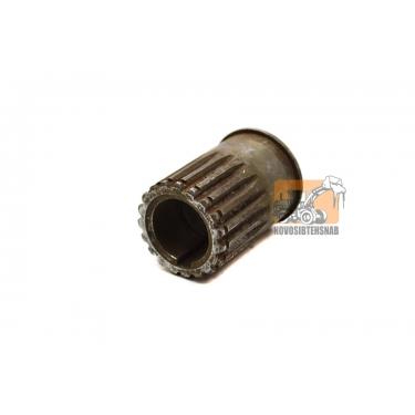 Шестерня привода насоса CBG2063 шпонка 19 зуб L-74мм